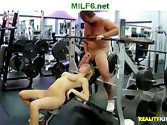 Milfhunter Sticks His Dick In Milf Mouth While She Is Weight